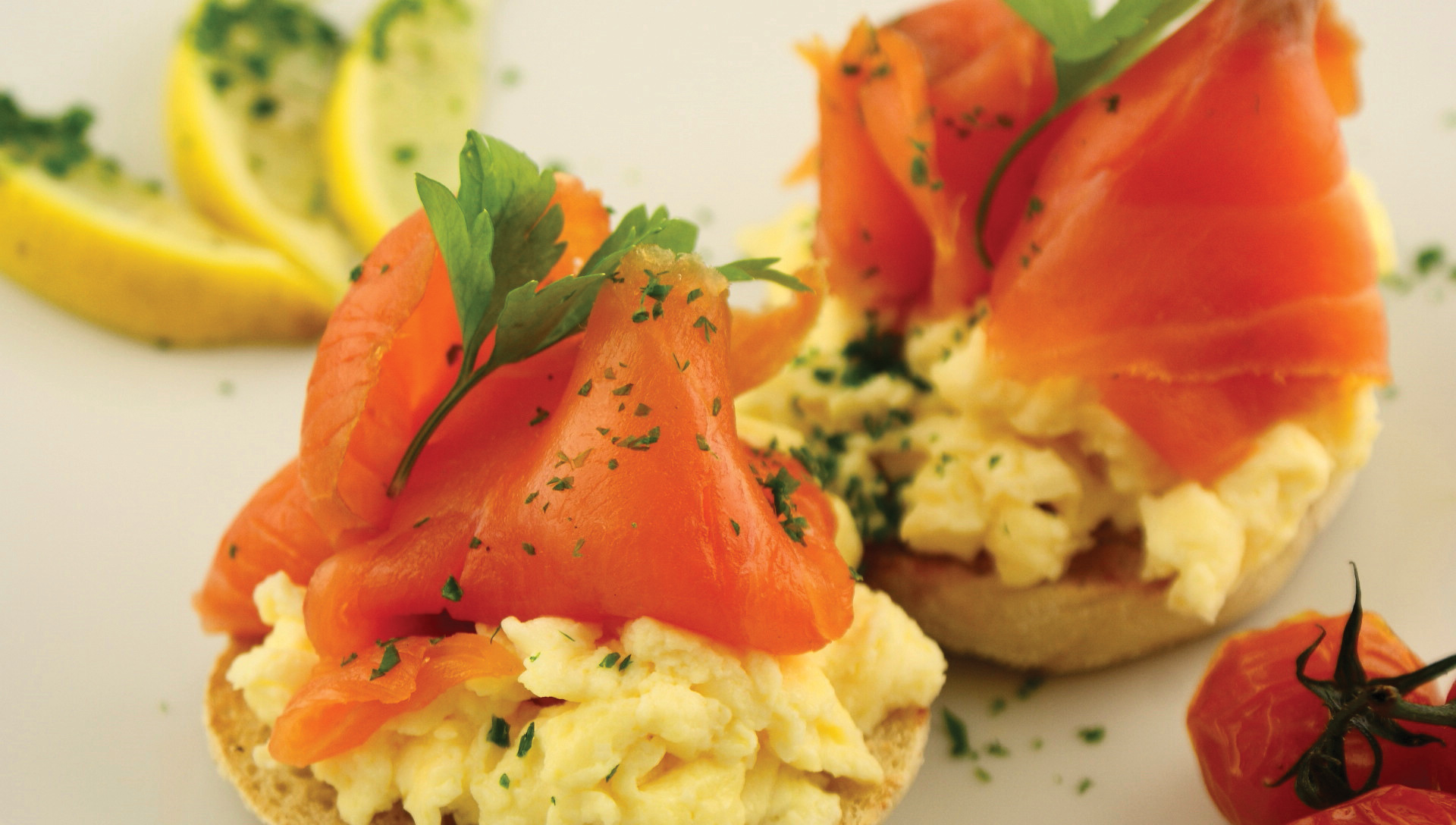 eggs smoked salmon and scrambled scrambled eggs with salmon roe ...
