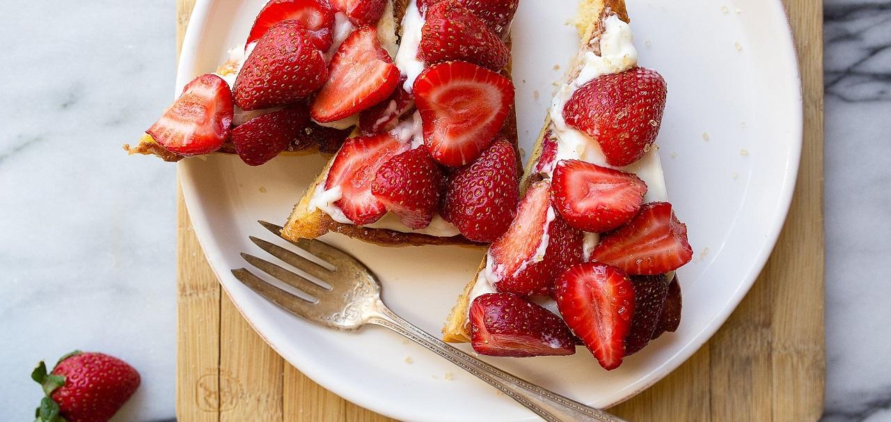 Strawberry Cheesecake Toast